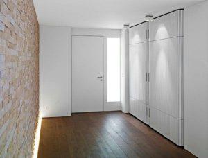 Spintos – pagrindiniai prieškambarių baldai