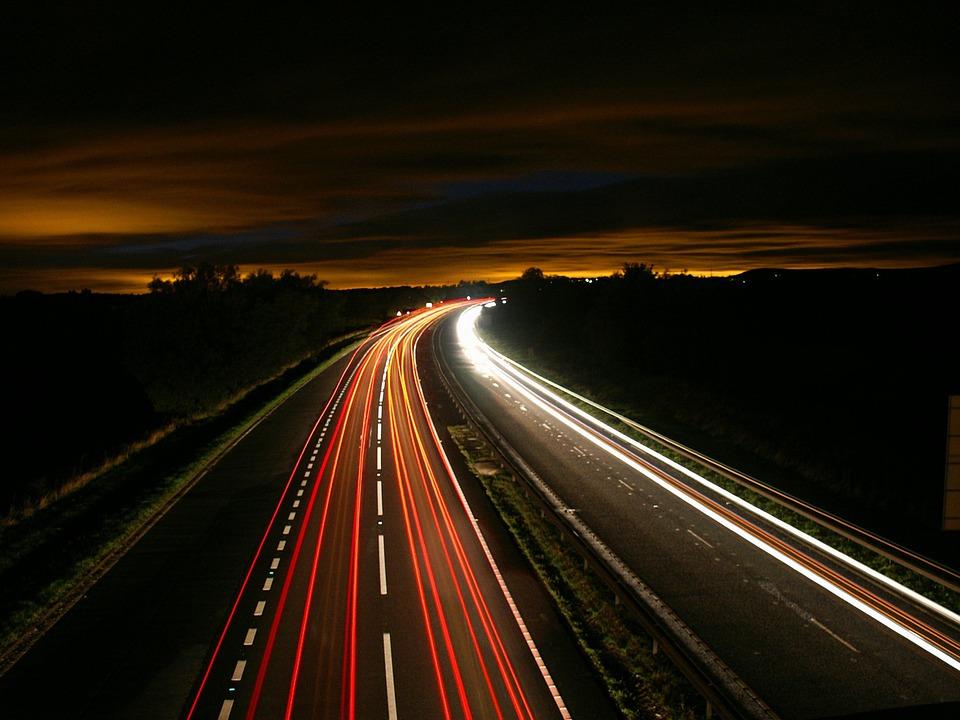 Automobilio nuoma kelionėse – praktiški patarimai