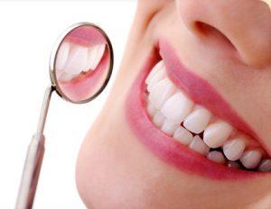 Dantų praradimo problemos sprendimas – protezavimas