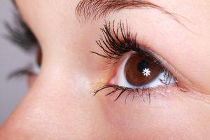 Akių vokų operacija grožio klinikoje