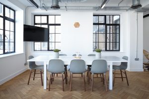 Stilingi biuro baldai inovatyviam verslui