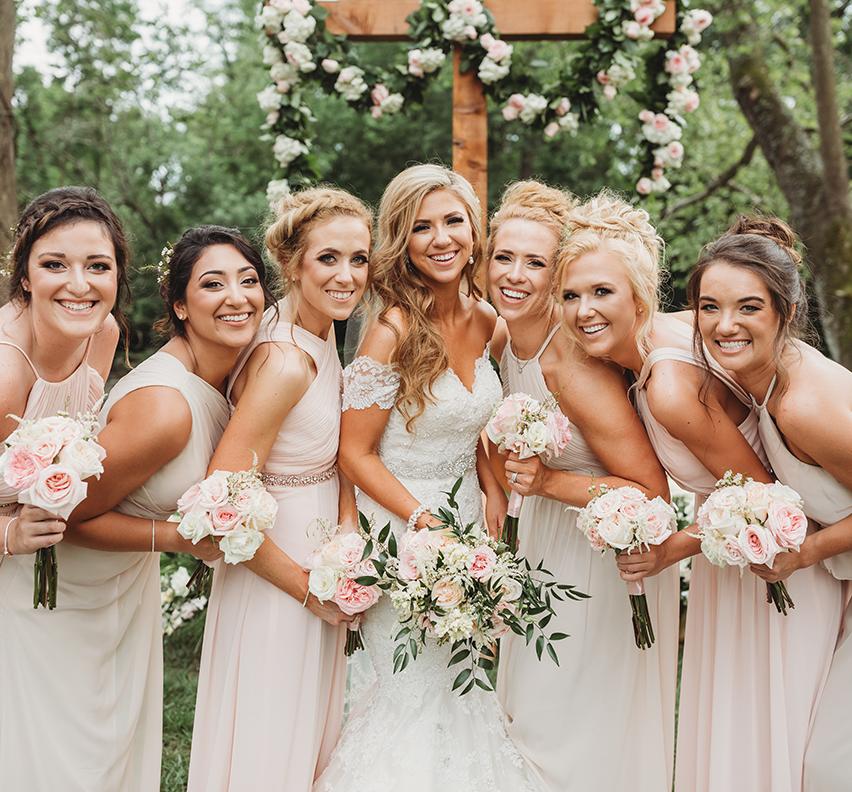 Vestuvėms svarbu tiek vestuviniai žiedai, tiek ir šventės programa